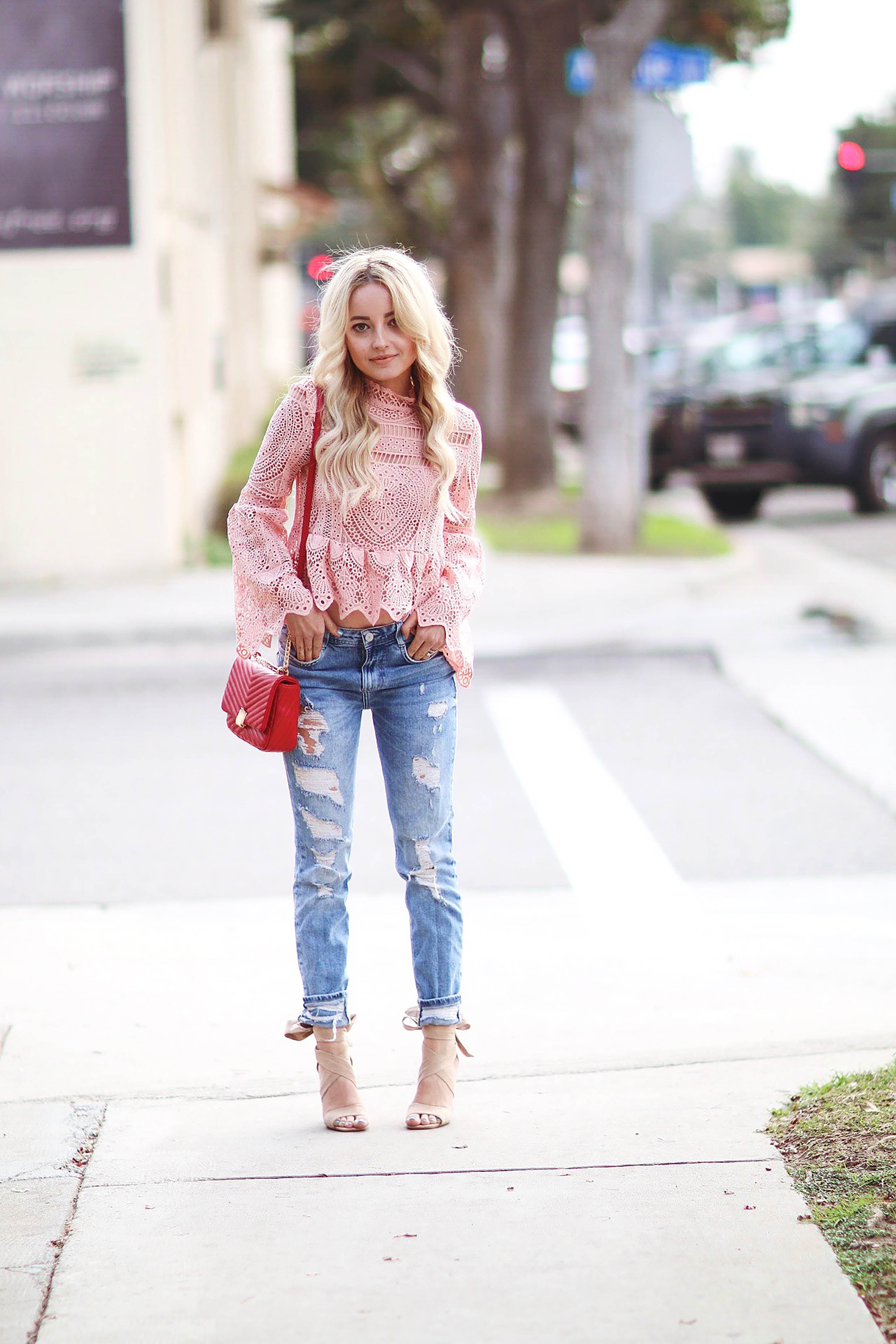 HOW TO FIND THE PERFECT PAIR OF BOYFRIEND JEANS