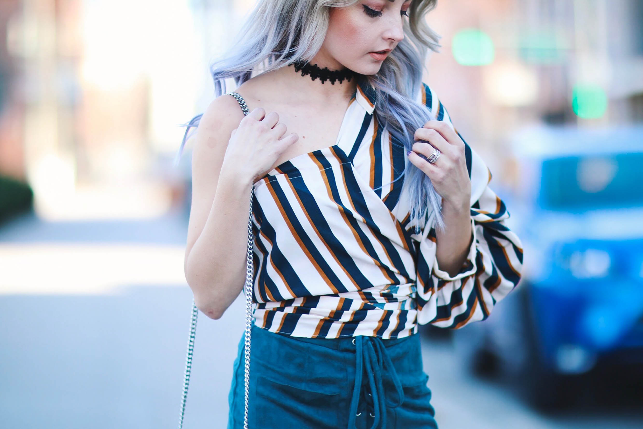 HOW TO STYLE A ONE SHOULDER STRIPED BUTTON DOWN